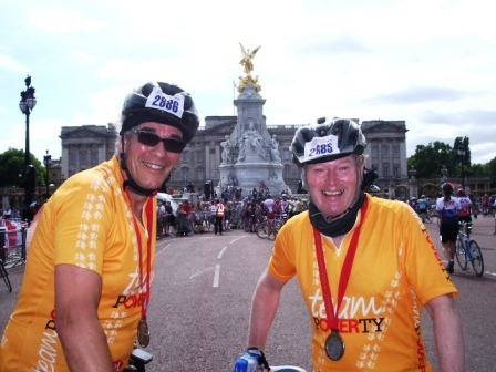 Graham (L) and Andrew in front of Buckingham Palace on completion of the Ride London 100